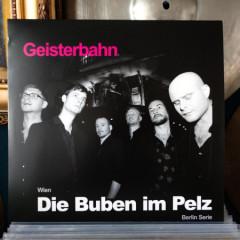 Die-Buben-im-Pelz-Geisterbahn2