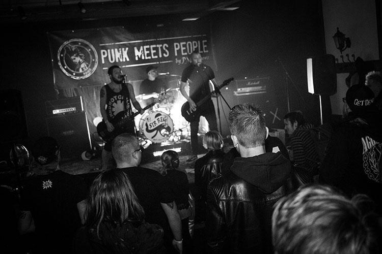 Sir Reg und Männi bei Punk meets People