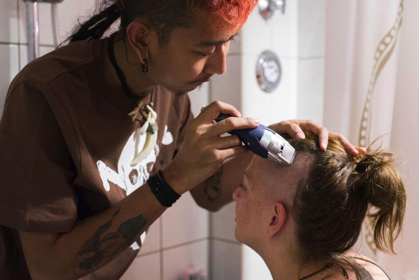 """Frauen im Musikbusiness - Carolin: Anthropologin, Aktivistin und EU-Tour-Managerin von """"Rebel Riot"""" 5"""