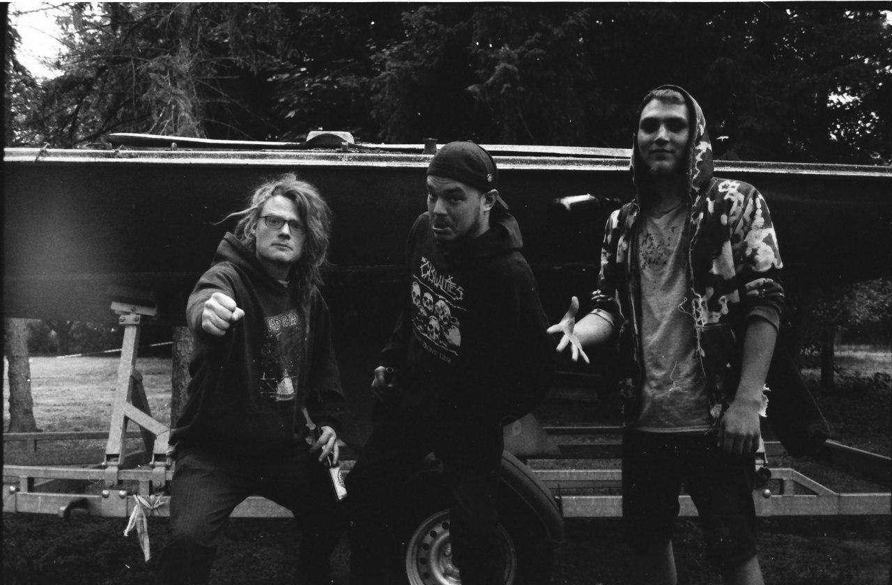 Interview mit der HC-Punk Band Alienate! zum neuen Album 4