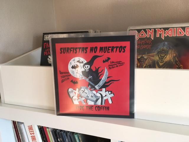 Surfistas No Muertos - Ride The Coffin 1