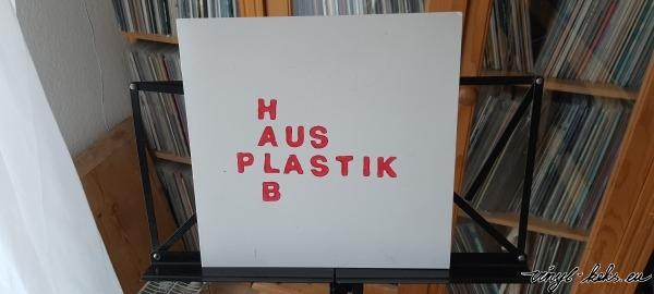Halb aus Plastik - s/t 1