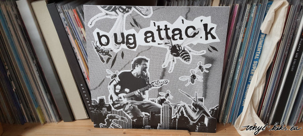 Bug Attack / Brennender Asphalt - don't go back on the same old Track Split LP 1