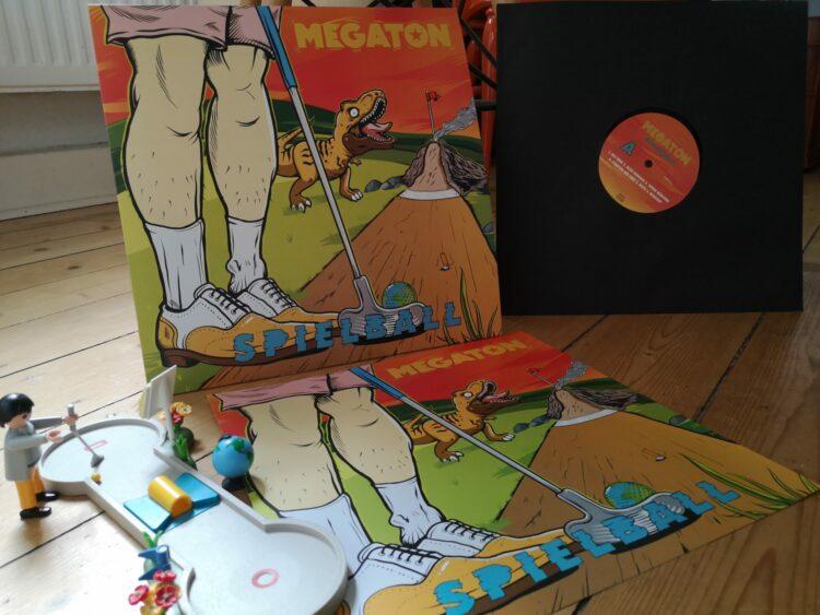 Megaton - Spielball 1